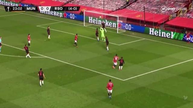 Só a trave impediu Bruno Fernandes de marcar mais um golaço