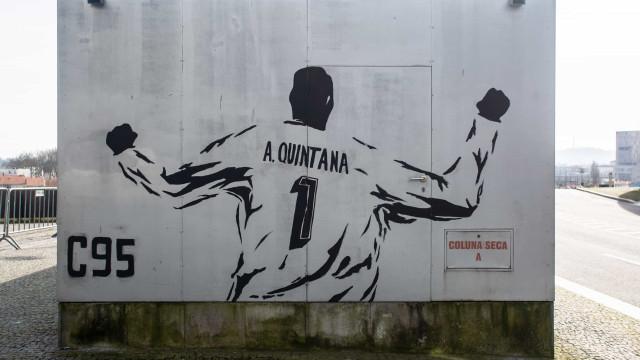 Alfredo Quintana homenageado com mural junto ao Dragão