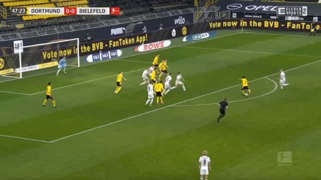 Golaço de Dahoud desfez o nulo em Dortmund