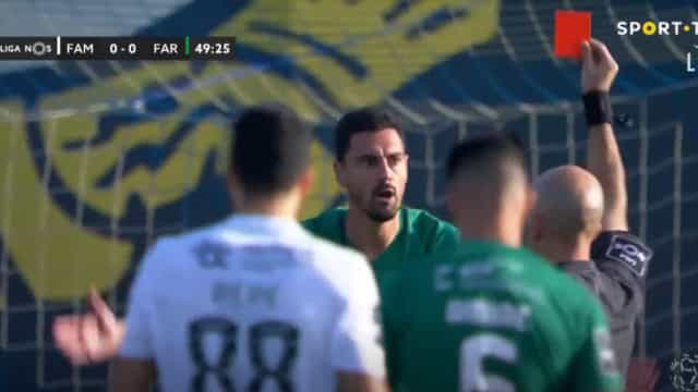 André Pinto viu dois amarelos em dez minutos e acabou expulso