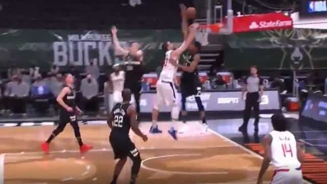 'Abafo' do ano na NBA? Antetokounmpo fez isto diante dos Clippers