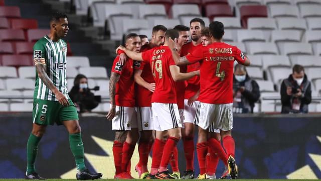 Seferovic e Pizzi dão pontapé na crise e Benfica regressa aos triunfos