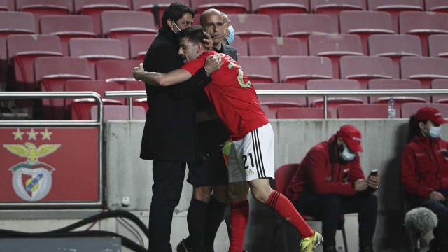 Pizzi festejou com 'raiva' e foi abraçar... Rui Costa