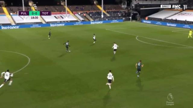 Auto-golo aos 19 minutos deixou Mourinho de sorriso nos lábios