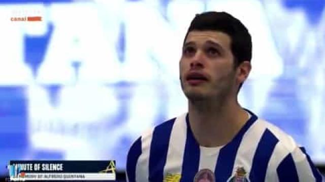 Jogadores do FC Porto em lágrimas durante minuto de silêncio por Quintana