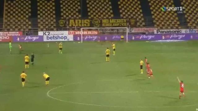 Pedro Martins segue na Taça graças a um dos golos mais insólitos do ano