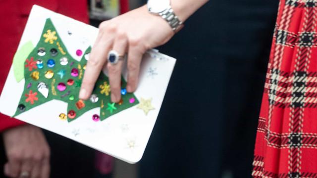 Polícia encontra homem desaparecido graças a pista em postal de Natal