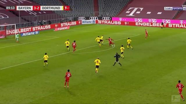 Lewandowski fecha tarde de luxo com hat-trick diante do Dortmund