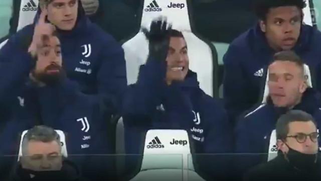 Nem no banco relaxa. Ronaldo sempre interventivo frente à Lazio