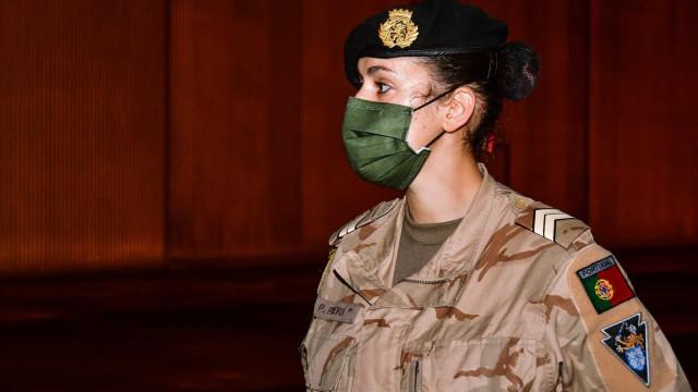 """Exército presta homenagem às """"mulheres que serviram e servem Portugal"""""""