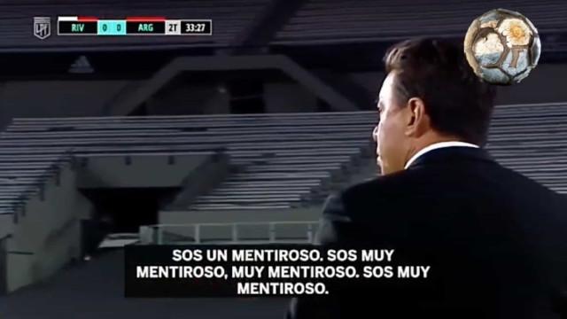 """Treinador do River Plate perde a cabeça com árbitro: """"És um mentiroso"""""""
