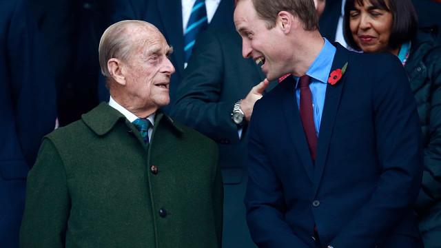 Príncipe William abre o coração em carta inédita em memória do avô