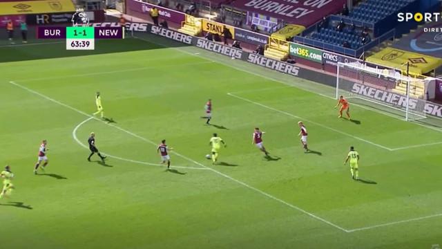 Saint-Maximin correu meio-campo para dar a vitória ao Newcastle