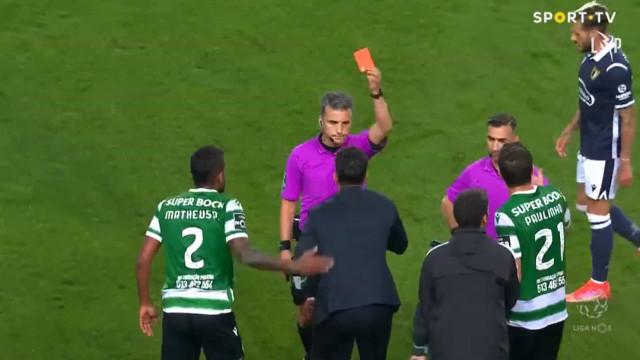 O momento em que Rúben Amorim é expulso após o Sporting-Famalicão