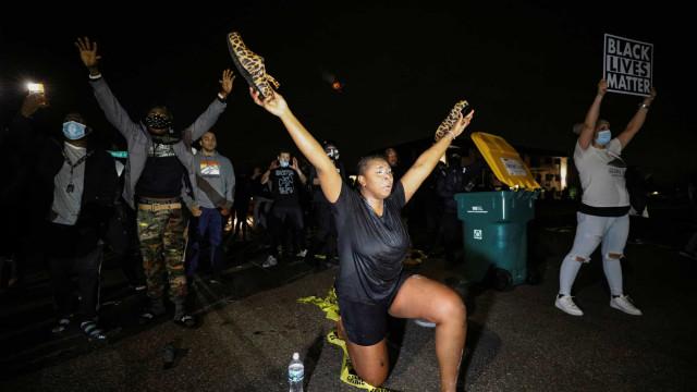 Minnesota palco de confrontos com polícia após morte de afroamericano