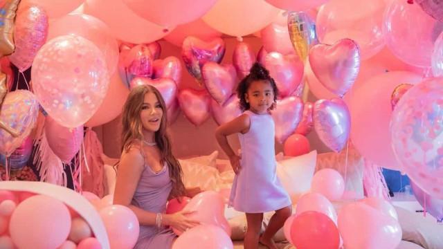 Digno de uma princesa! As fotos da festa da filha de Khloé Kardashian