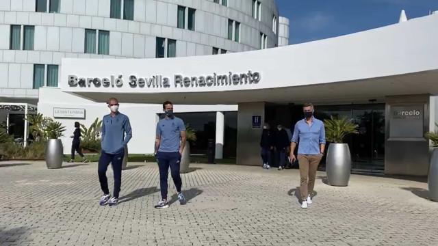 Vítor Baía marcou presença no passeio matinal do FC Porto