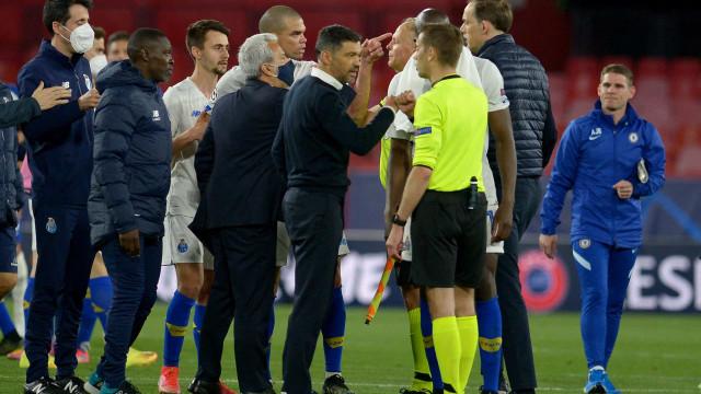 "Chelsea refuta insultos de Tuchel e denuncia ""truques sujos"" do FC Porto"