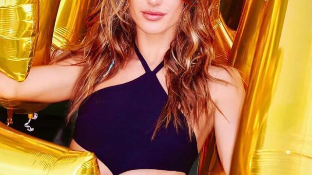 Alessandra Ambrosio. O look escolhido para a celebração dos 40 anos