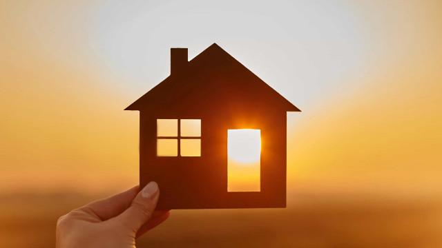 Famílias carenciadas recebem 'cheque' de 1.300 euros para aquecer a casa