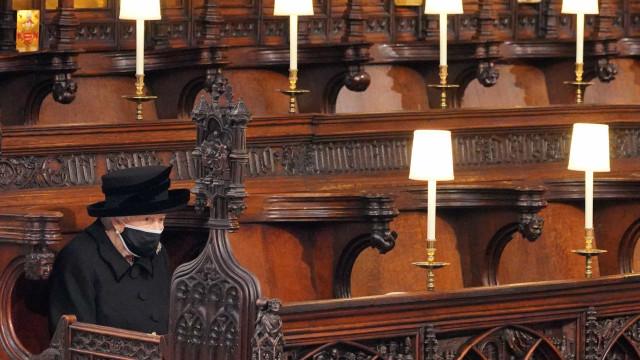 Rainha Isabel II homenageou o marido com toque pessoal