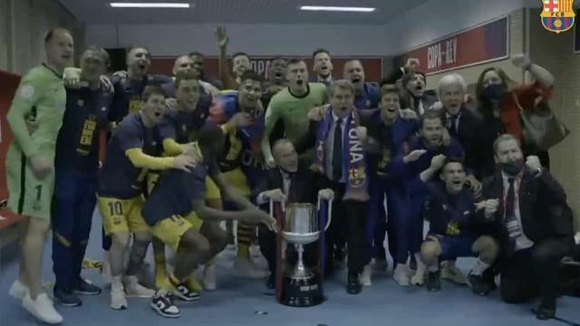 A festa do Barcelona no balneário após a conquista da Taça do Rei