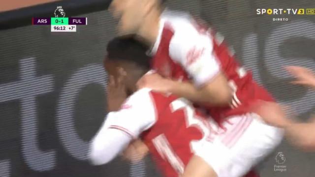 Arsenal evitou derrota com golo aos... 90+7 minutos
