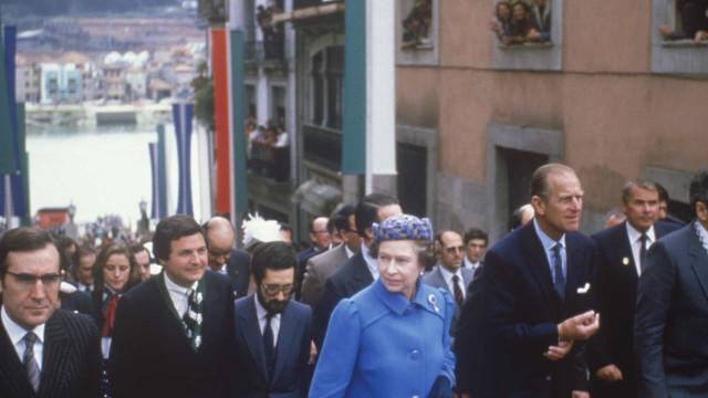Imagens lembram visitas do príncipe Filipe da rainha Isabel II a Portugal