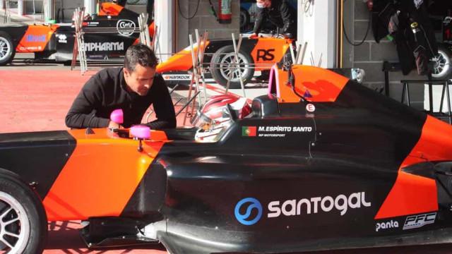 Manuel Espírito Santo, jovem português, na Formula 4 Espanhola