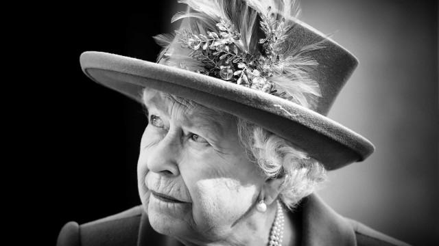Rainha Isabel II fala pela primeira vez à nação após a morte do marido