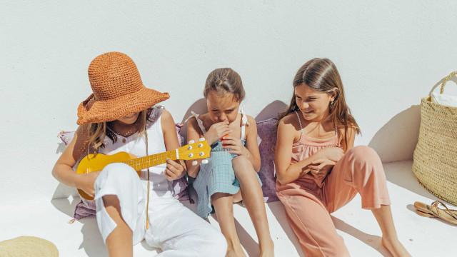 Maria Gorda. Coleção-manifesto incentiva crianças a brincarem ao ar livre