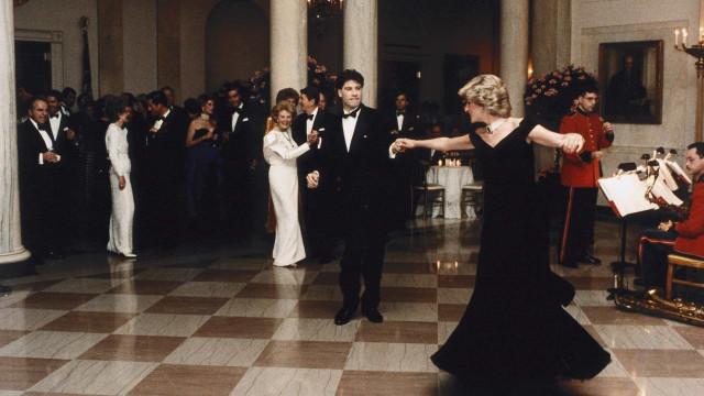 """John Travolta sobre dança com a princesa Diana: """"Um conto de fadas"""""""