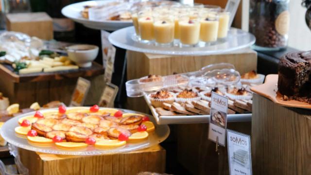 No Dia da Mãe, o restaurante soMos convida a um 'Brunch da Rainha'