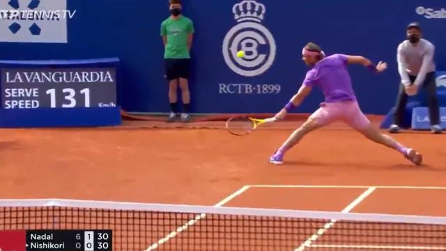 Nadal assina mais um ponto assombroso no ATP de Barcelona