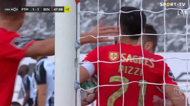 Pizzi carimbou o empate em Portimão à beira do intervalo