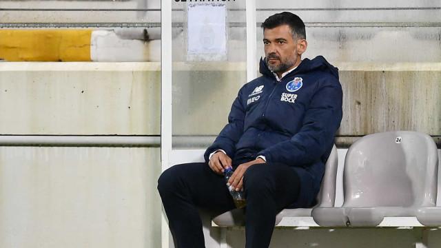 Sérgio Conceição vai estar no banco no Clássico com o Benfica