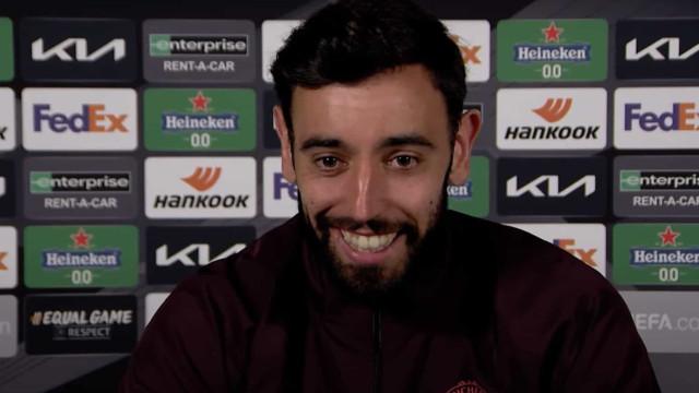 """Bruno Fernandes corrige jornalista: """"Não é Sporting Lisbon..."""""""