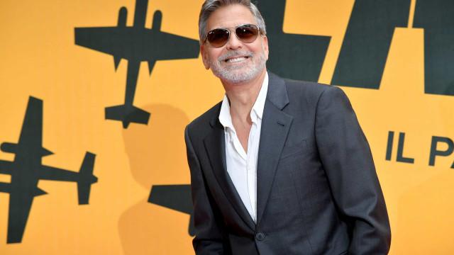 George Clooney completa 60 anos cheios de elegância