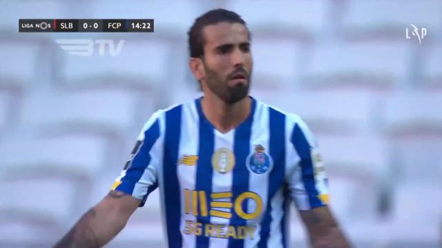 Amarelo aos 15 minutos afasta Sérgio Oliveira do próximo jogo do FC Porto
