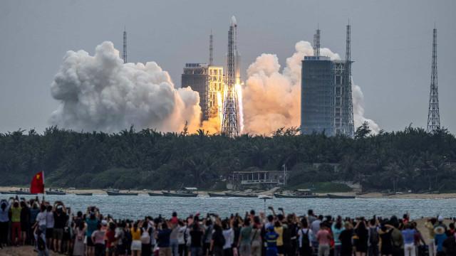 Pentágono está a rastrear reentrada do foguetão chinês descontrolado