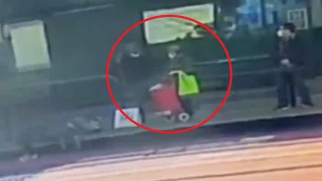 Divulgado vídeo de ataque com arma branca a duas mulheres asiáticas
