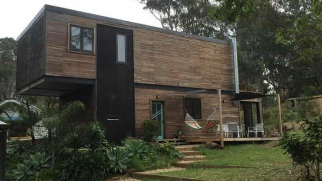 Quatro contentores: Foi o que bastou para ser construída uma casa