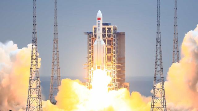 """Probabilidade de foguetão chinês provocar danos é """"extremamente fraca"""""""