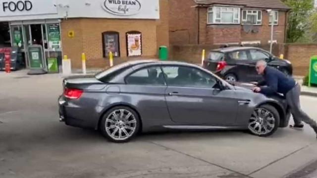 Homem tenta evitar roubo do BMW e quase é atropelado