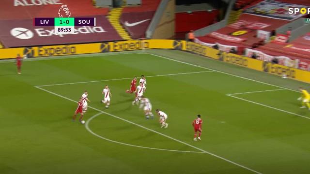 Thiago Alcântara estreia-se a marcar pelo Liverpool e com um grande golo
