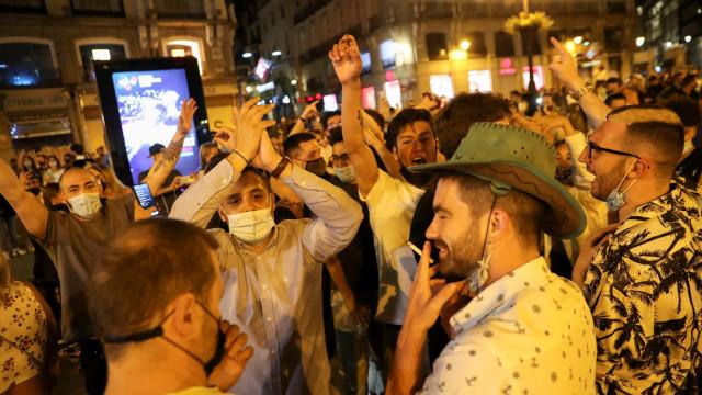 Madrid e Barcelona saem às ruas (em euforia) para festejar fim de Alarme