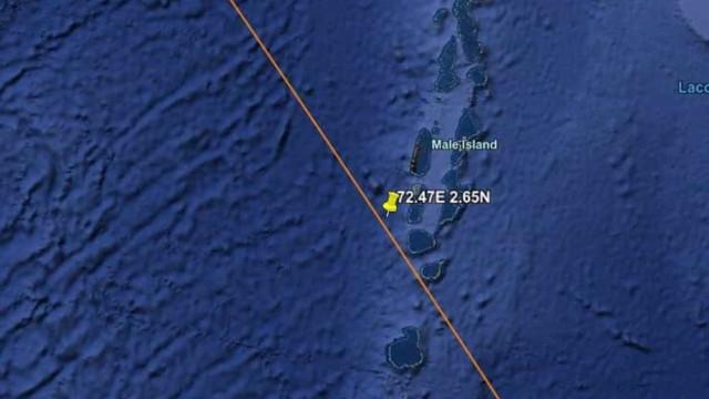 Restos de foguetão chinês caem ao largo das Maldivas, no oceano Índico