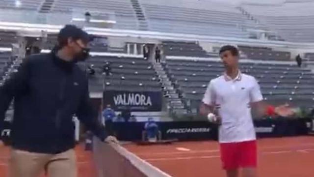 """Djokovic pede desculpa ao árbitro: """"Ainda perco a cabeça algumas vezes"""""""