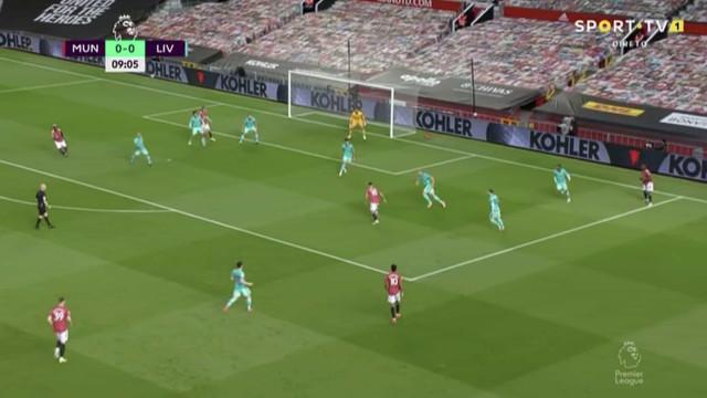 Bruno Fernandes adianta Manchester United de trivela (e com muita sorte)