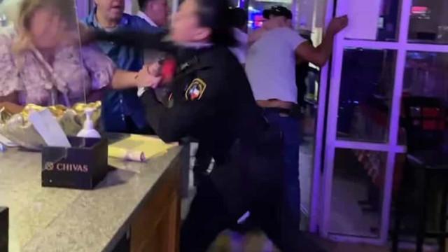 Polícia torna-se viral pela forma como põe fim a confusão em restaurante